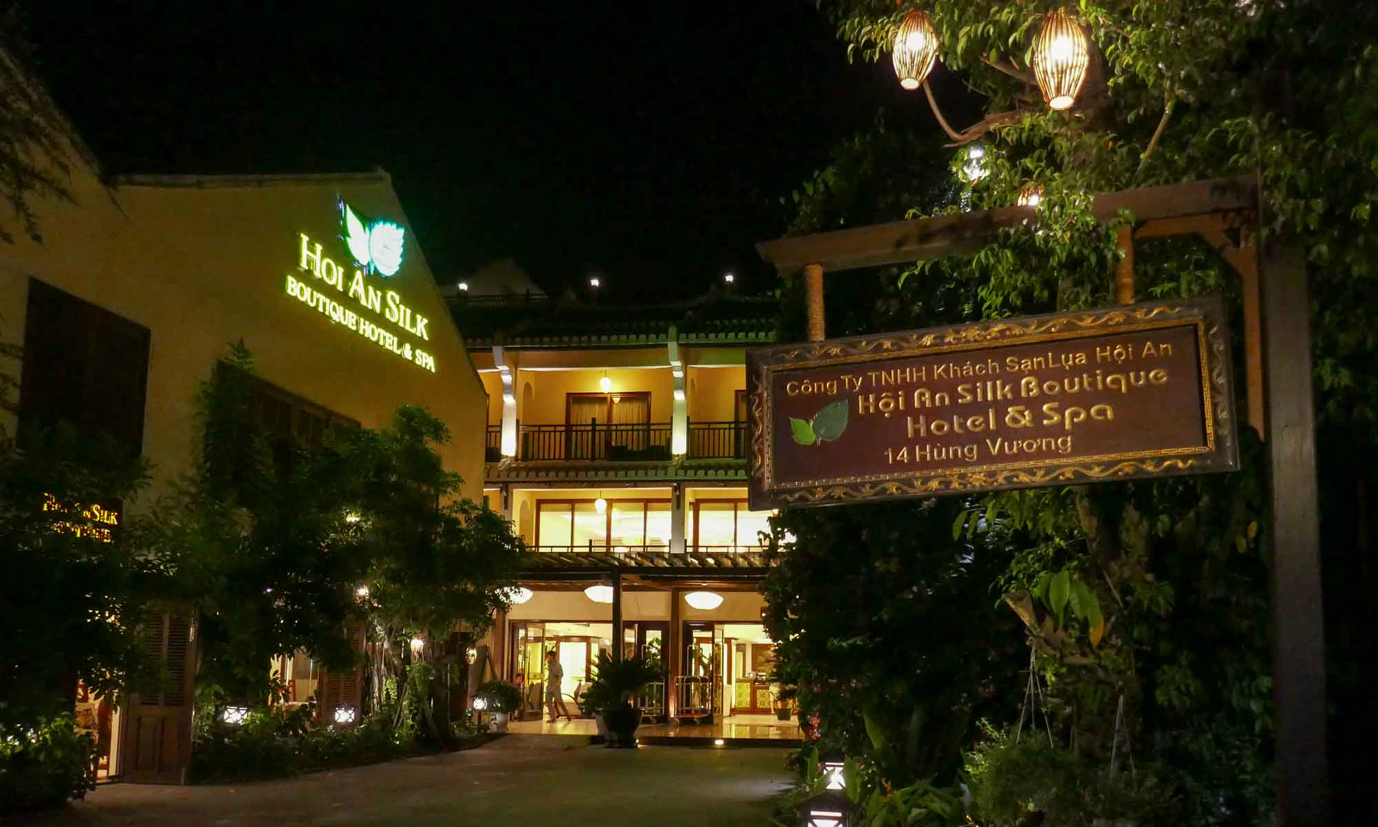 Hoi An Silk Boutique Hotel & Spa by night