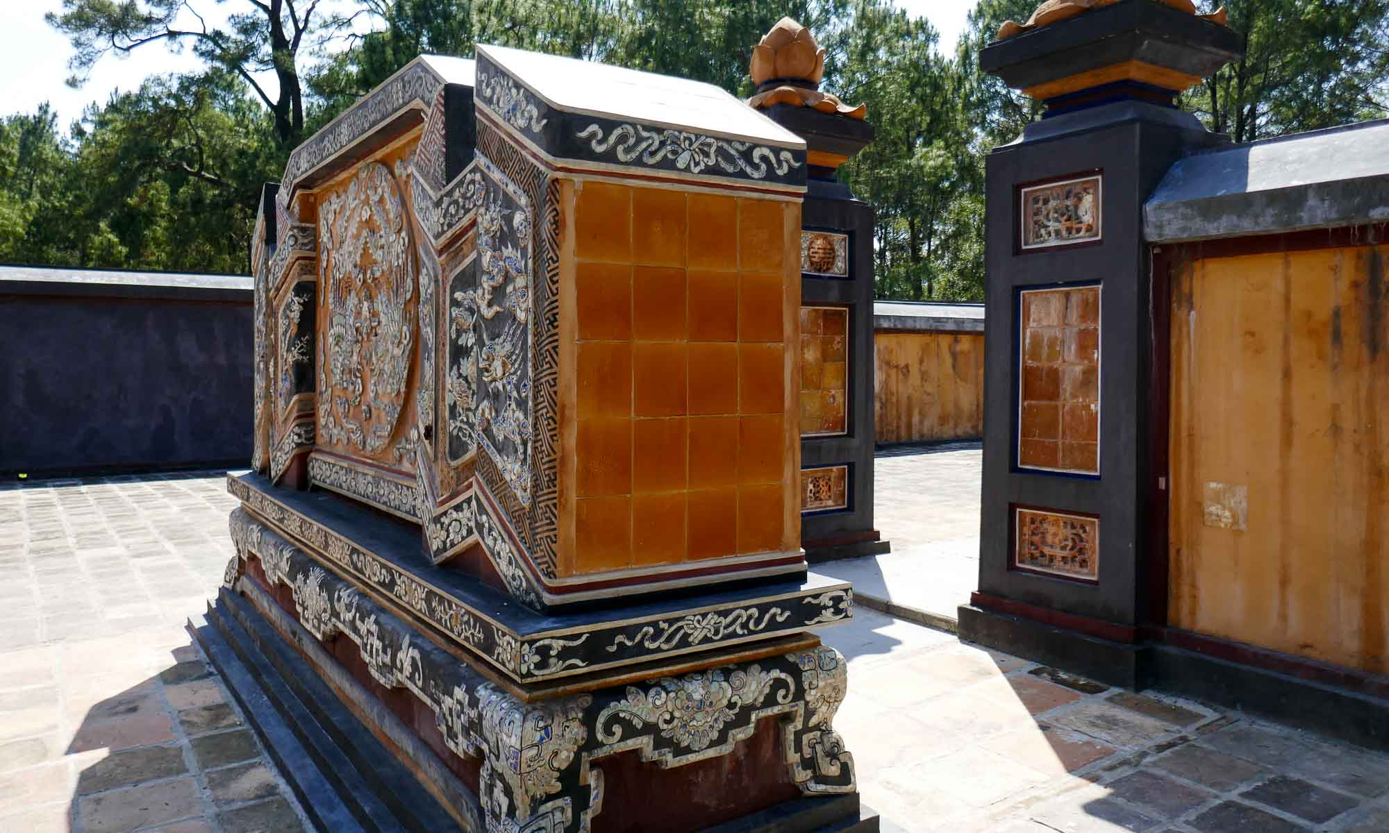 Entrance to the tomb of Empress Le Thien Anh, the emperor's primary wife