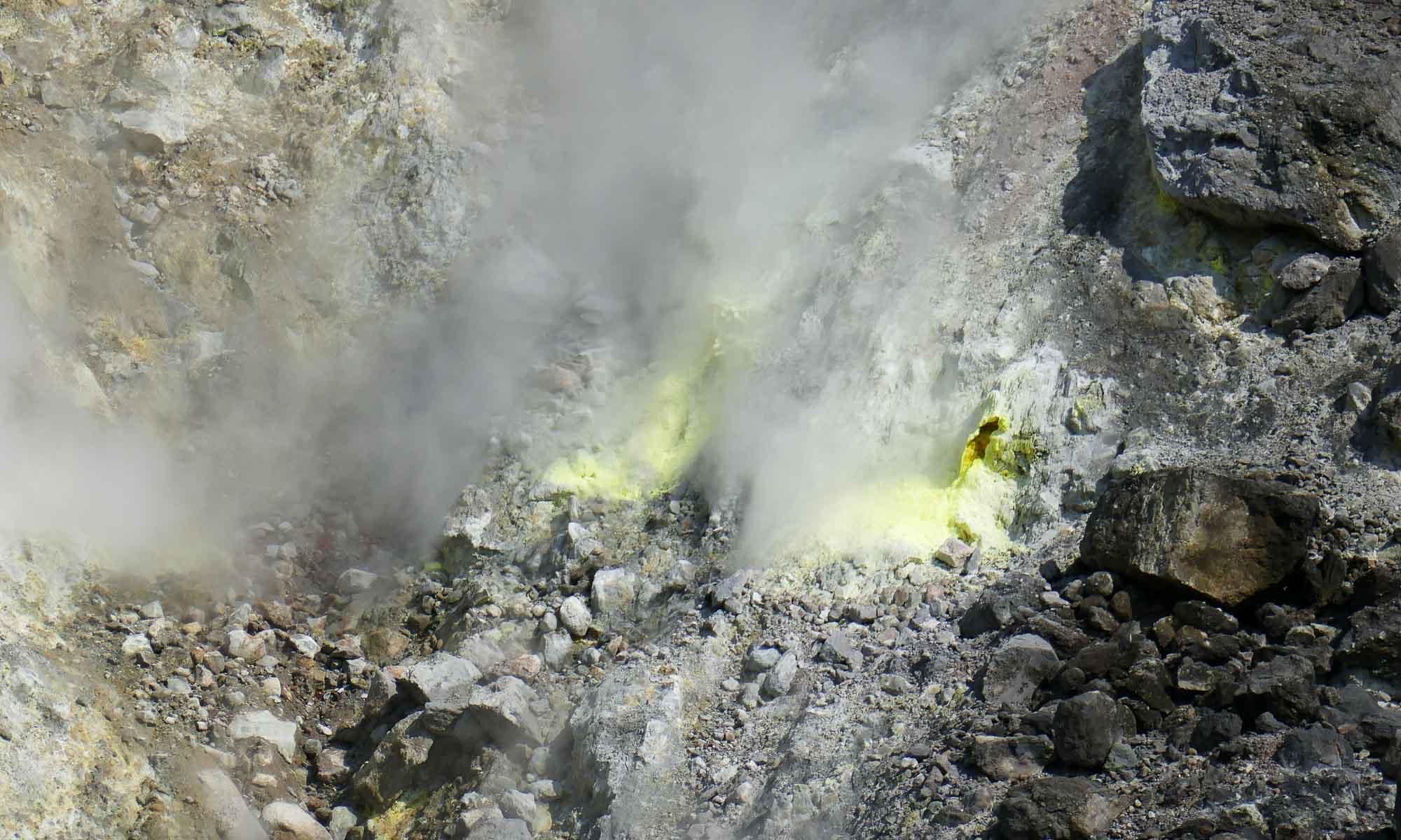 Fumaroles up close