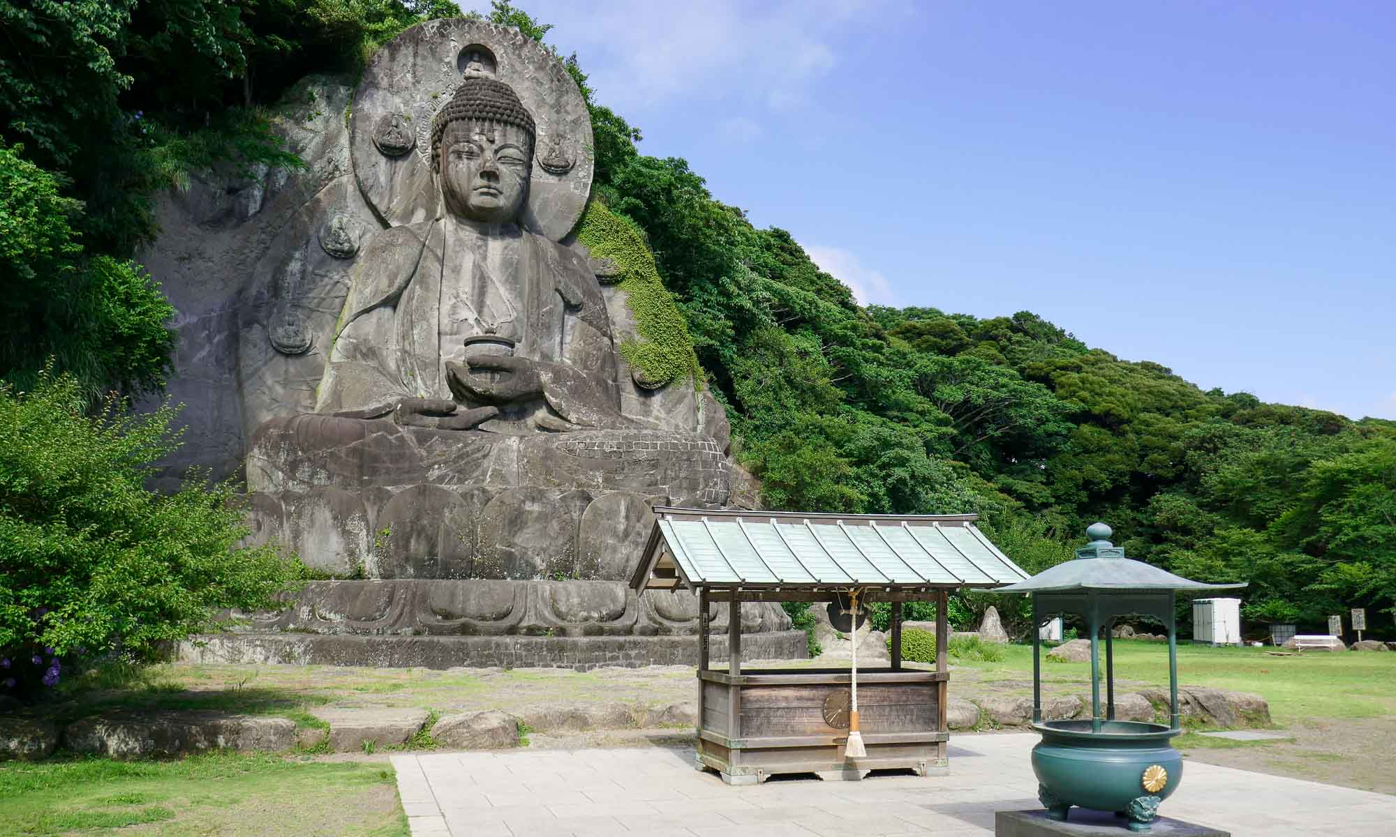 The largest stone-carved Buddha statue