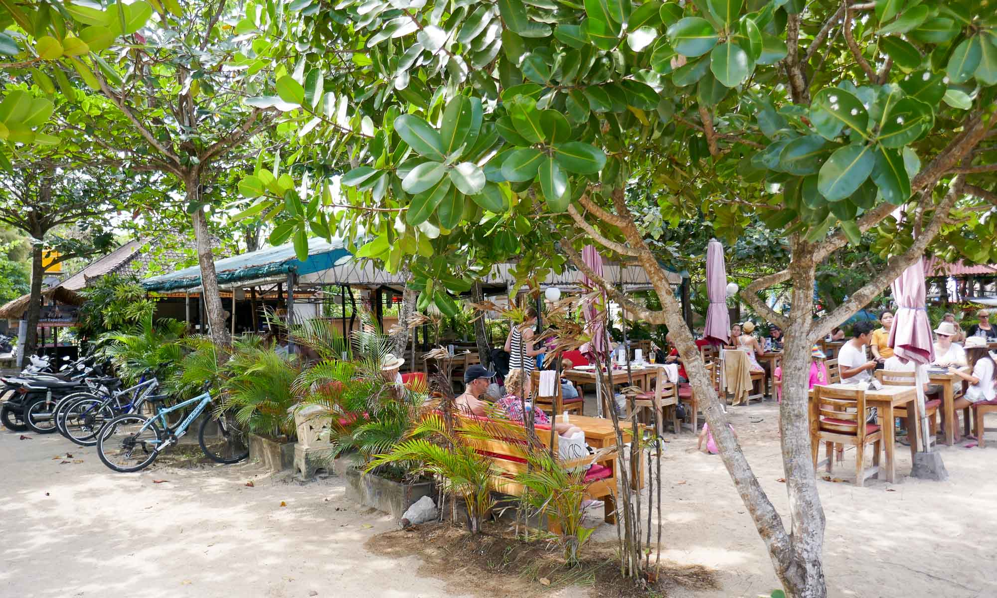 Beachside cafes in Sanur