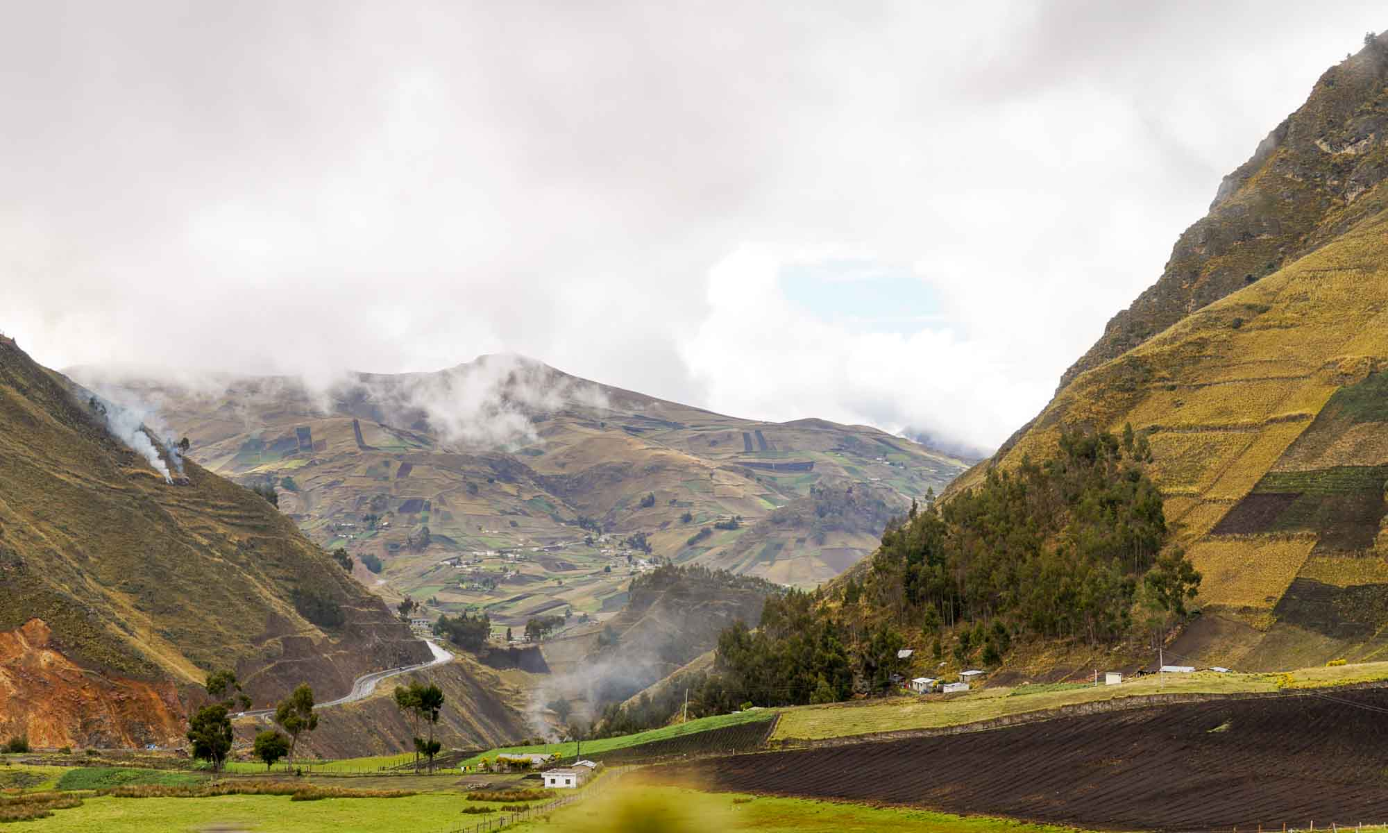 Beautiful views on the road to Laguna Quilotoa